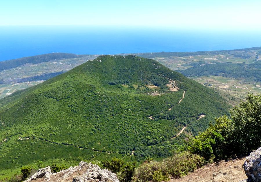 Vista dalla Montagna Grande sul monte Gibele